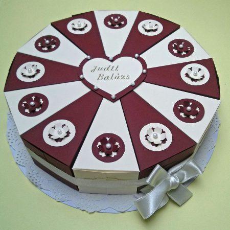 Pénzajándék papírtorta - 12 szeletes - bézs, bordó, virágos díszítéssel, gyöngyökkel- esküvőre nászajándékba
