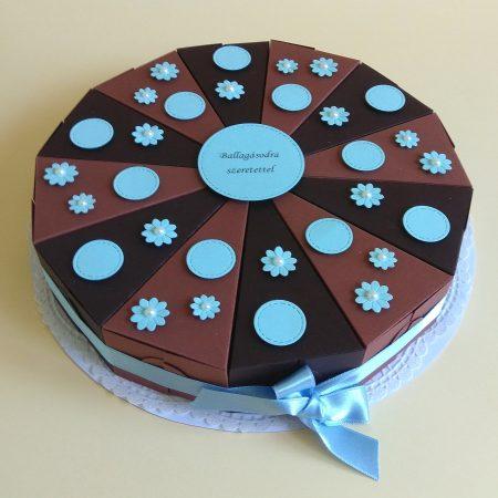 Ballagási papírtorta - barna torta kék virágokkal ballagásra, pénz átadására - Pénzajándékok