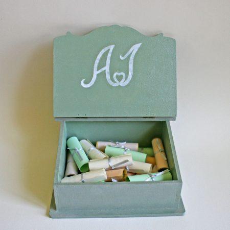 Ajándék esküvőre - fadoboz - szürke, díszített, madárpárral belülről - nászajándék