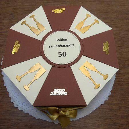 Papírtorta születésnapra - 8 szeletes, bézs-barna torta, arany díszítéssel - Pénzajándék