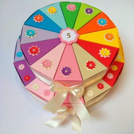 Papírtorta születésnapra - 2 emeletes, 24 szeletes torta óvodásoknak - színes, virágos - Pénzajándék