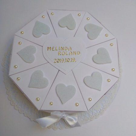 Papírtorta esküvőre - fehér textil szíves, bézs gyöngyös 8 szeletes torta nászajándékba - Pénzajándék